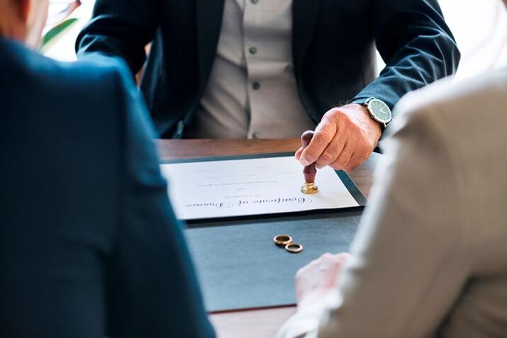 Anlaşmalı Boşanma, Çekişmeli Boşanma